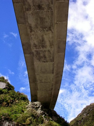 Otira Viaduct - Box girder construction